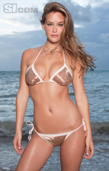 Bar Rafaeli takes the bacon – 2009 SI Swimsuit Covergirl ...