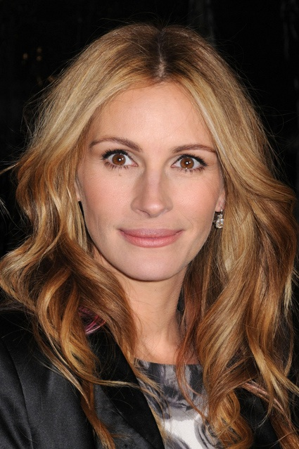 julia roberts. talking to Julia Roberts.